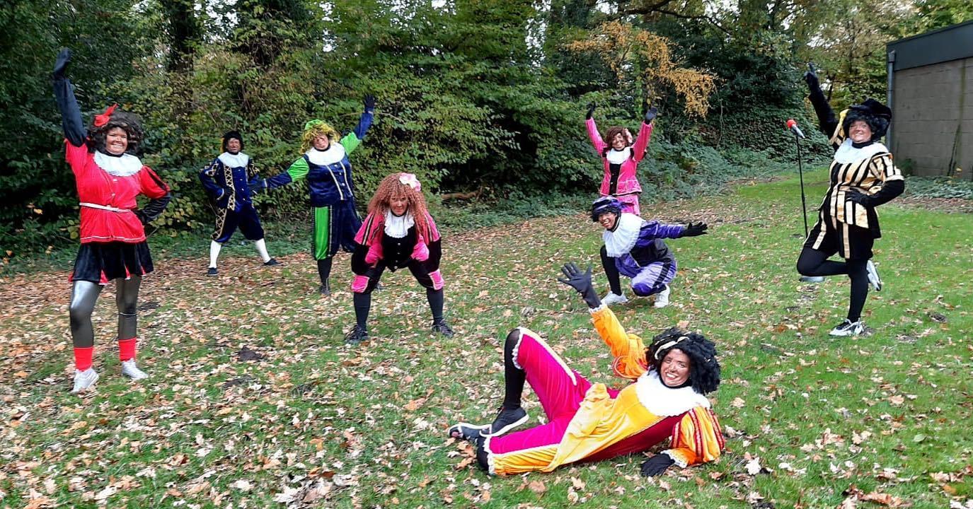 Dansende Pietjes bij de Klankkast. Oktober 2020